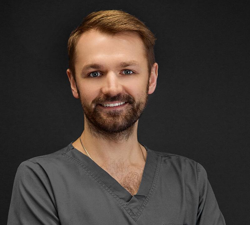 Lek. dent. Przemysław Papiór