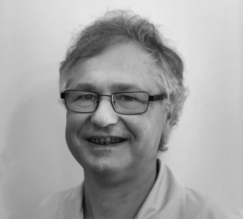 Lek. dent. Piotr Papiór